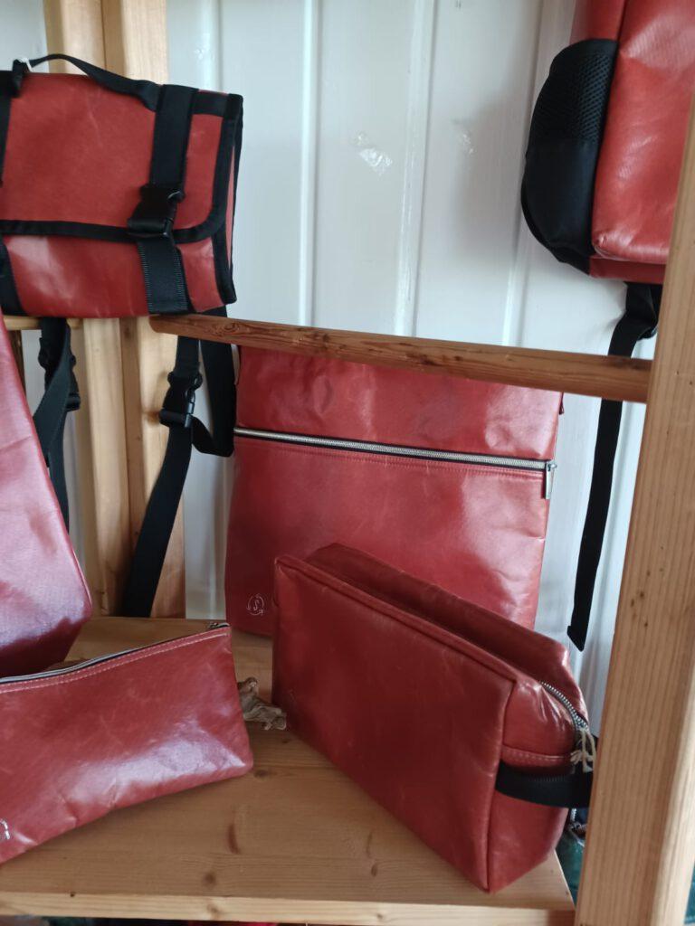 Upcycling Plastiktaschen in rot