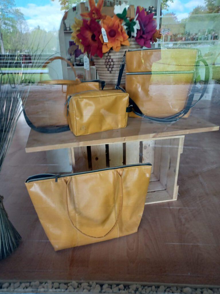 Upcycling Plastiktaschen in gelb